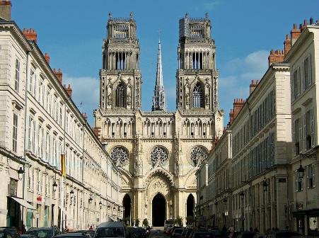 Catedral Santa Cruz Orleans exterior