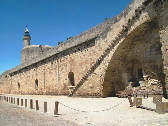 Aigues-Mortes, fortaleza, castillo, San Luis IX