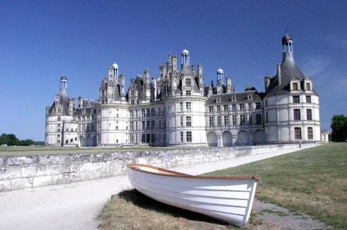 Valle del Loira, navegar, canales, castillos