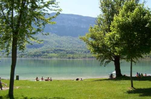 Aiguebelette, las aguas bellas de Francia