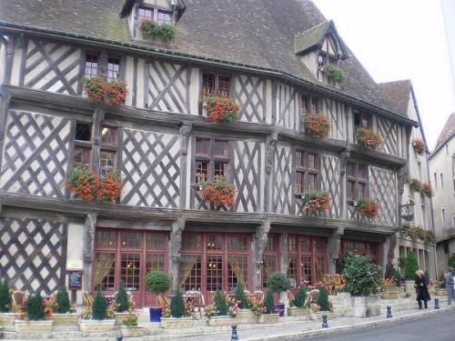 Chartres, medieval y religiosa