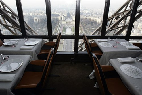 restaurantes en la torre eiffel. Black Bedroom Furniture Sets. Home Design Ideas