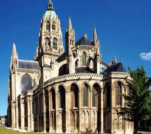Bayeux: el tapiz y su catedral