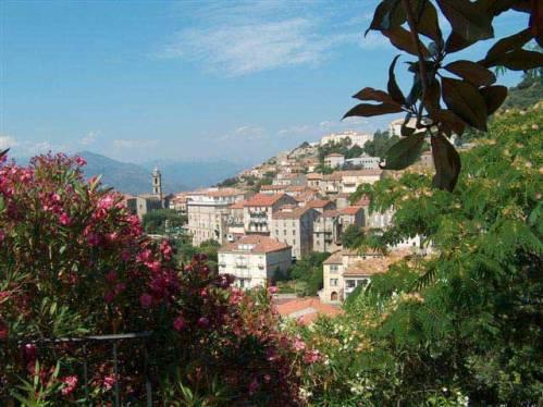 Sartène, en la isla de Córcega