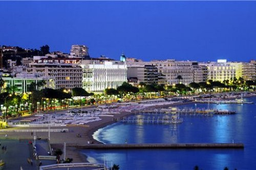 Cannes, Costa Azul