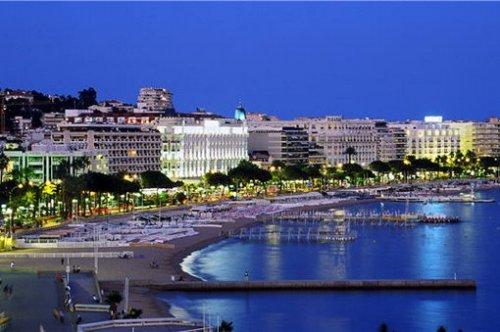 Cannes, Costa Azul