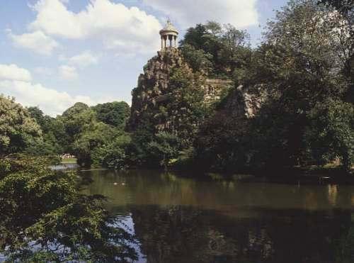 El Parc des Buttes-Chaumont, en Paris