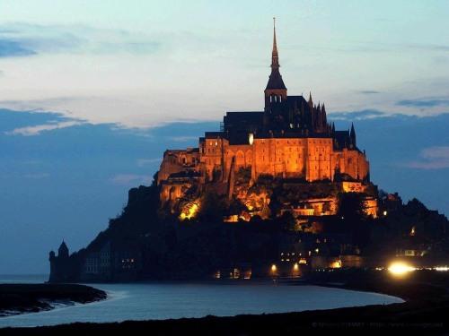 Mont Saint-Michel, Monumento Historico de Francia.