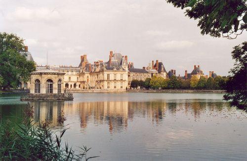 Ámsterdam y el IHS Saint Patrice Fontainebleau_chateau_01