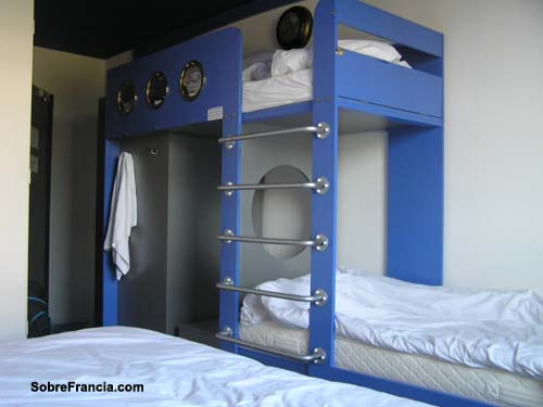 Dormir en poitou charentes - Hotel jules verne futuroscope chambre ...