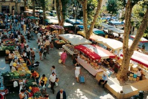 La vibrante ciudad de Aix en la Provenza