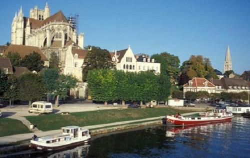 Turismo fluvial y barato en Borgoña