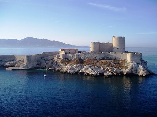 El castillo de If, en la bahía de Marsella