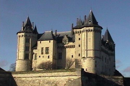 Visita Saumur, su castillo y bellos edificios