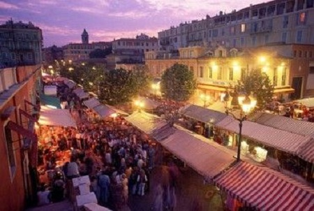 La noche de Niza, diversión para todos los públicos