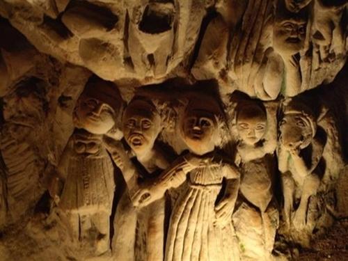 La misteriosa cueva de las esculturas en Países del Loira