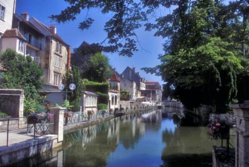 Dole, pequeña ciudad de ensueño en Jura