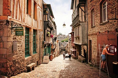 La Rue Jerzual y su curiosa puerta