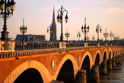 El Pont de Pierre de Burdeos