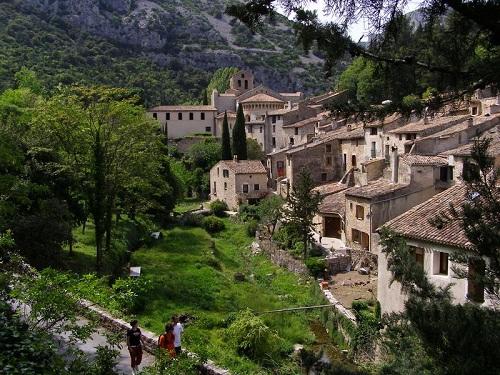 Saint Guilhem le Désert, un pueblo encantado