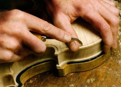 Fabricacion de violines en Montpellier